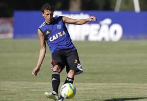 Jogador fez apenas 15 jogos nesta temporada e marcou três gols Foto: Márcio Alves/Agência O Globo