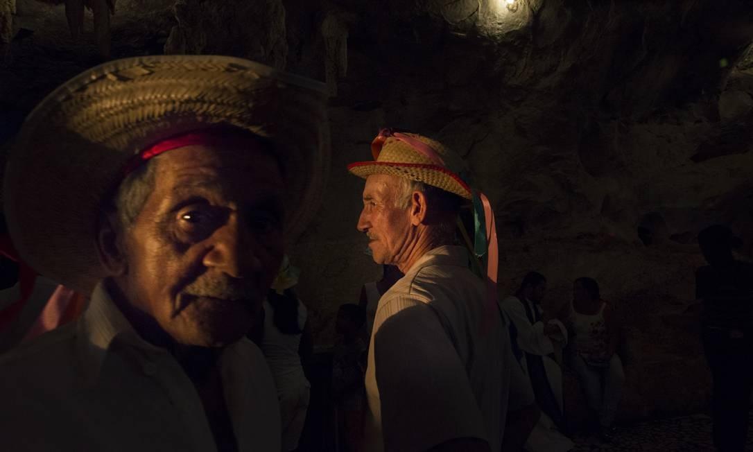 A fotógrafa Isabela Senatore registrou celebrações em sete estados brasileiros, entre eles a Bahia, onde fiéis fazem romaria ao Santuário de Bom Jesus da Lapa Foto: Divulgação/ Isabela Senatore