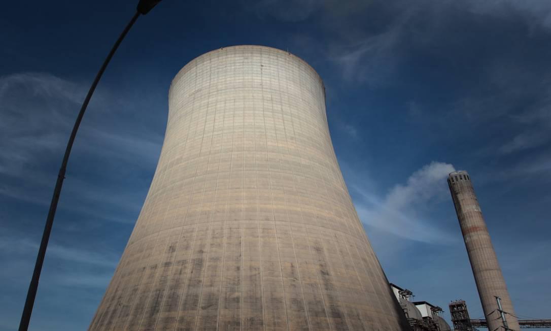 Térmica a carvão no Rio Grande do Sul: com falta de chuvas, usinas com energia mais cara foram acionadas por mais tempo Foto: Michel Filho / O GLOBO/16-6-2012