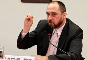 Périplo: Adams percorreu gabinetes do TCU para blindar Foster Foto: O Globo / Ailton de Freitas/20-11-2012