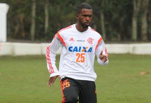 Jogador Luiz Antônio, do Flamengo, foi indiciado por envolvimento com milícia Foto: Gilvan de Souza / Divulgação