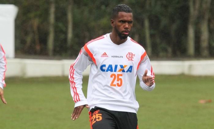 Luiz Antonio pode suprir falta do Leo Moura na lateral