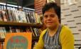 Além de aulas, Débora se dedica à literatura infantil, escrevendo contos em que os personagens enfrentam constrangimento