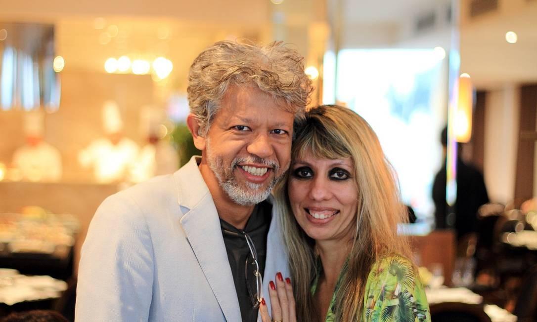 O casal Fernando e Cíntia é conhecido pelas fotos postadas no Instagram de restaurantes estrelados Foto: Bruno Barreto / Divulgação
