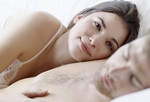 Vida sexual. Mulheres, ao contrário de homens, precisam estar bem consigo para ter um bom desempenho no sexo Foto: Latinstock