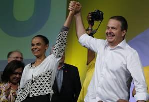 jhkhjhk. Marina e Campos na Covenção Nacional do PSB, em Brasília, para lançar a candidatura à Presidência Foto: Jorge William / Jorge William/27-06-2014