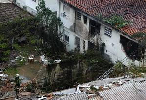 Local do acidente, em Santos Foto: Fernando Donasci / Agência O Globo