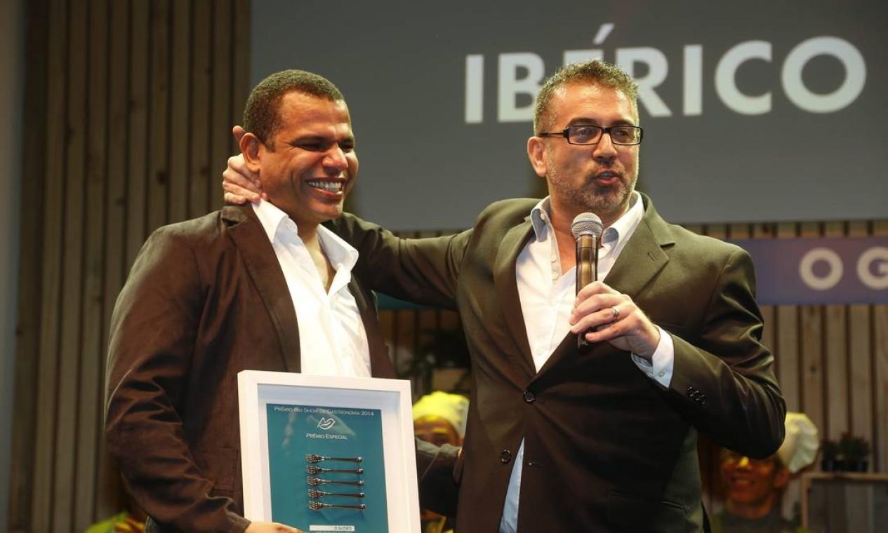 Jan Santos recebeu o prêmio especial por seu restaurante Ibérico Foto: Marcelo Carnaval/O Globo