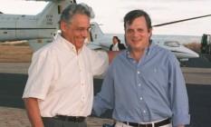 Fernando Henrique e Tasso Jereissati em aeroporto em Juazeiro do Norte, no Ceará, em campanha de 1998 Foto: Roberto Stuckert Filho/31-07-1998