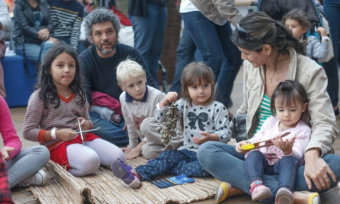Sábado com arte e educação ambiental para a criançada Foto: Marco Sobral/O Globo