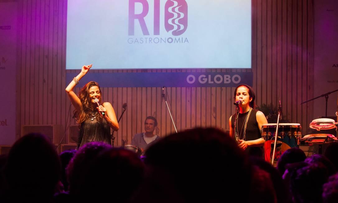 A banda Moinho encerrou a segunda noite do Circuito Rio Gastronomia, no Jockey Foto: Bianca Pimenta/O Globo