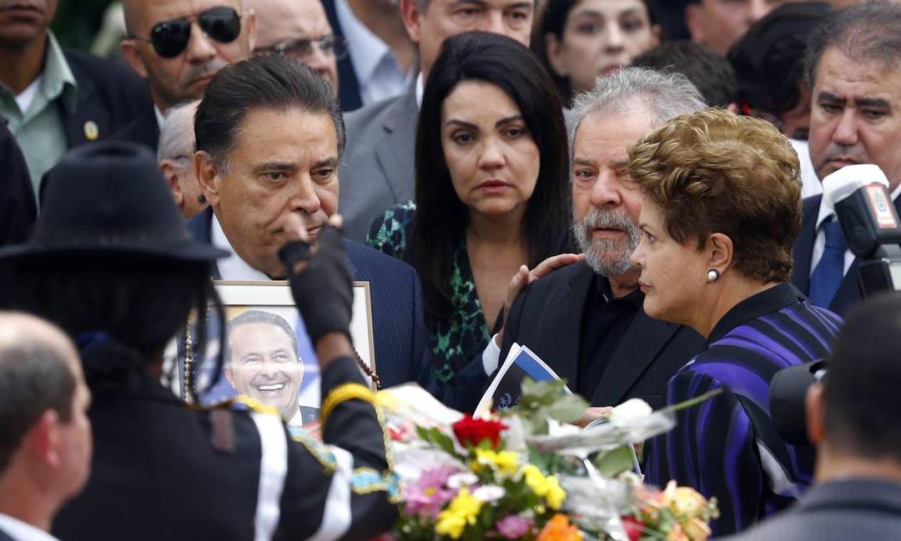 Lula e Dilma chegam ao velório de Eduardo Campos Foto: RICARDO MORAES / REUTERS