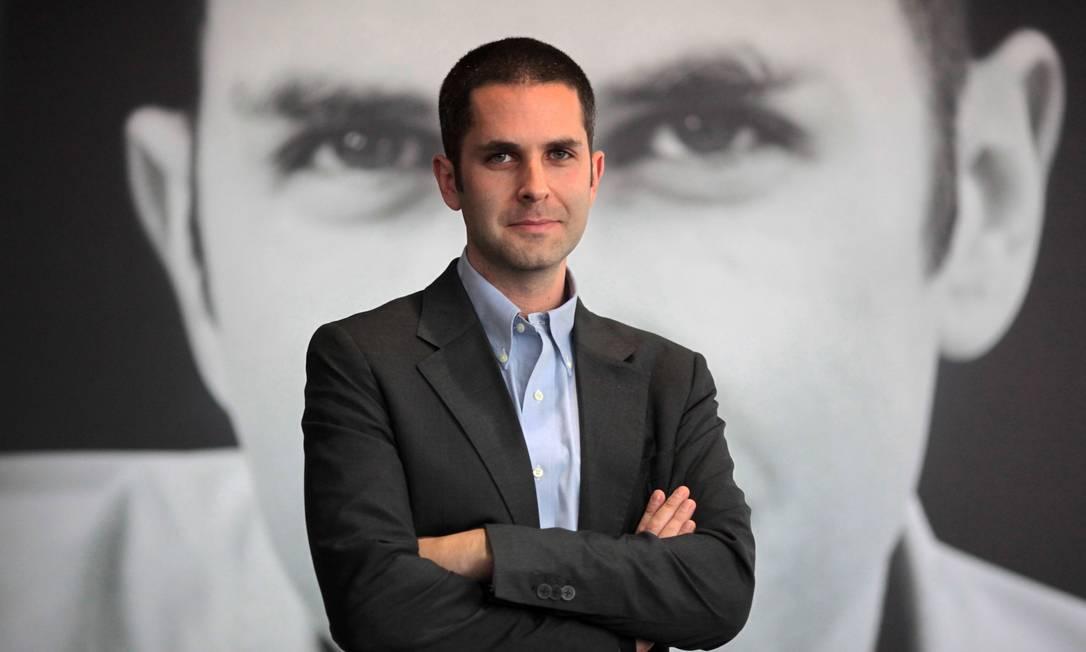 Reflexões. Em 'The rise & fall of the great powers', que sai no Brasil em 2015, o escritor anglo-canadense aborda temas contemporâneos, como o direito à privacidade na web Foto: FREDRIK VON ERICHSEN / AFP
