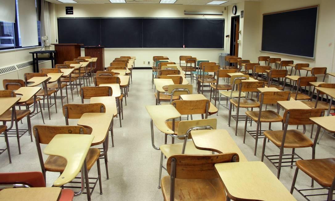Sala de aula: escola não está entre principais instituições ligadas ao ensino de educação cívica para brasileiros Foto: / Stock Photo