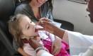 Vacina oral contra pólio pode ser reforçada com injeção para aumentar imunidade Foto: Roberto Ferreira. / Agência O Globo
