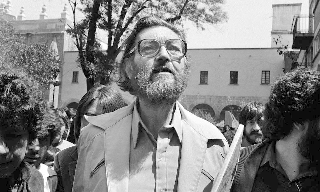 Julio Cortazar em Coyoacan, na Cidade do México, em março de 1983 Foto: Renzo Gostoli/ Austral Foto