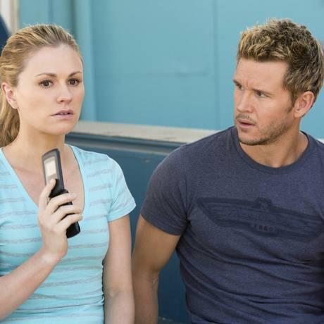 Sookie (Anna Paquin) e Jason (Ryan Kwanten) em episódio da sétima temporada Foto: Divulgação