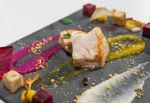 O chef Ricardo Lapeyere, do Laguiole, preparou um namorado com raízes brasileiras Foto: Marco Sobral/O Globo