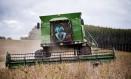 CNBB critica agronegócio e sugere limitar tamanho de propriedades rurais Foto: Guito Moreto / aRQUIVO O Globo 07/04/2013