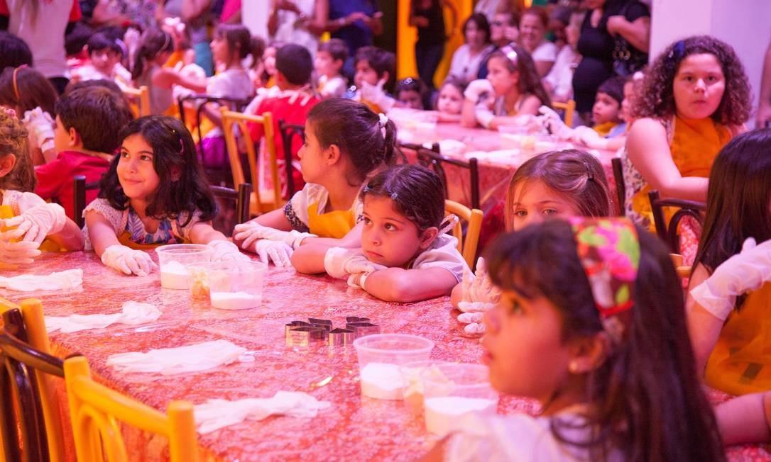 No Circuito Rio Gastronomia, no Jockey, a criançada teve aula com o pessoal do Gloob Foto: Bianca Pimenta/O Globo