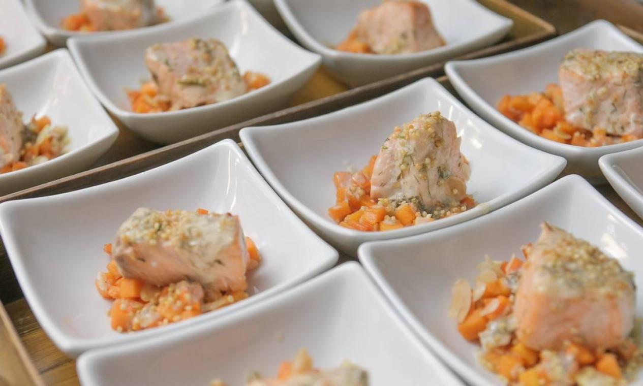 Depois da exibição de 'Como um chef', o público teve direito à provinha de salmonete de abóbora Foto: Marco Sobral/O Globo