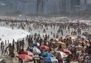 Segundo estudo, mesmo se todo o planeta urinasse no Atlântico, impacto seria 'minúsculo' Foto: Daniela Dacorso / Agência O Globo