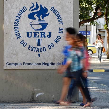 Uerj: autodeclaração passará a prever campos para o vestibulando apontar os critérios que utilizou para firmar sua autodeclaração Foto: Alexandre Cassiano / Agência O Globo