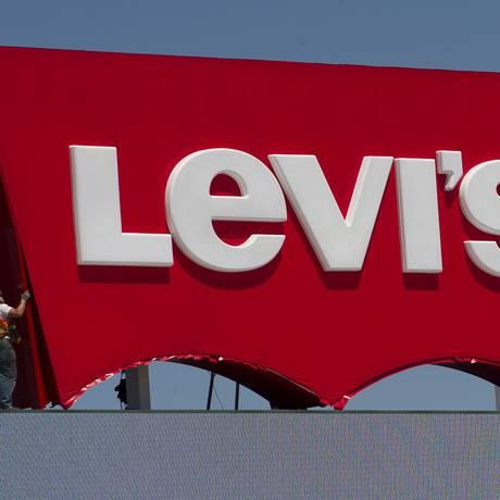 Levi's busca inovar nas calças para atender nova demanda de consumo Foto: David Paul Morris / Bloomberg