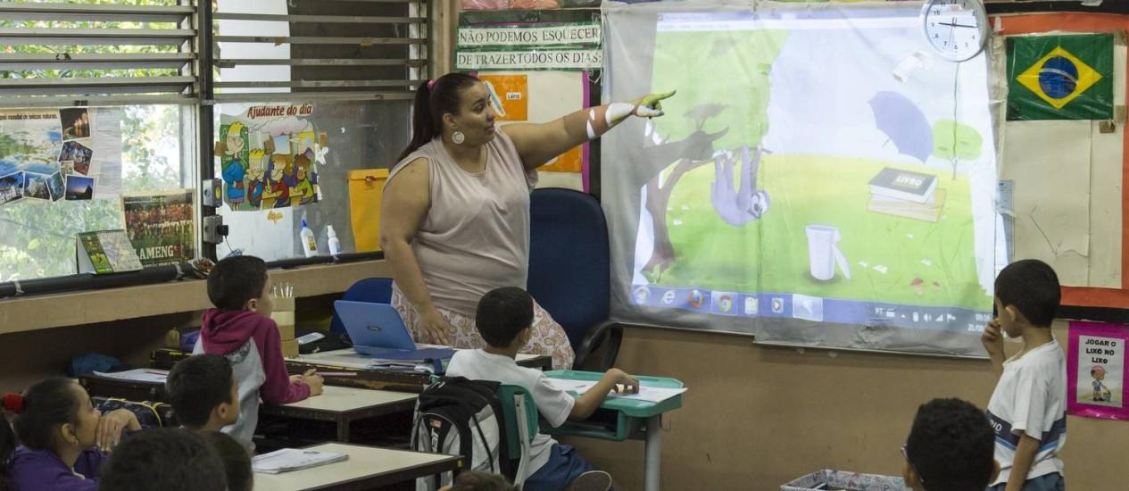 Preparando o futuro. Aula no CIEP Presidente Agostinho Neto, no Humaitá, presente no ranking Foto: Leo Martins / Agência O Globo