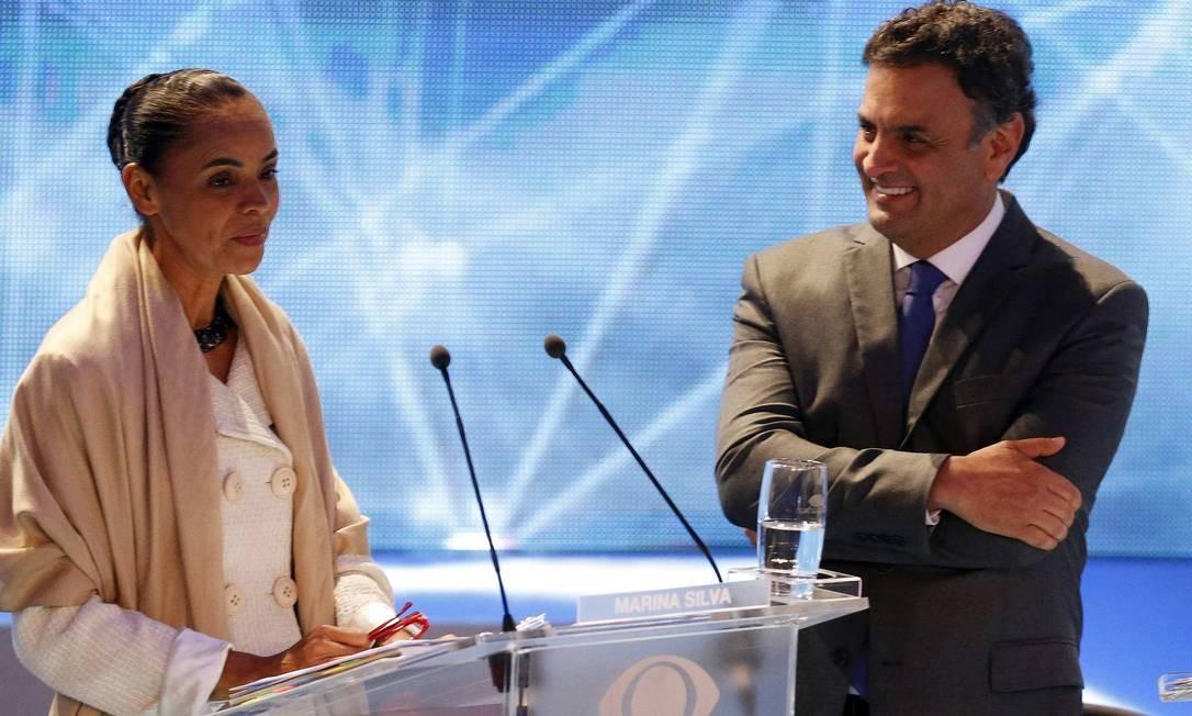 Marina Silva e Aécio Neves na TV Bandeirantes, onde acontece o primeiro debate entre os presidenciáveis Foto: PAULO WHITAKER/REUTERS / REUTERS