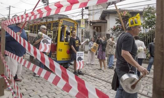 RI- Rio de Janeiro, 27/08/2014- Moradores de Santa Teresa fazem manifestacao em memoria das vitimas do acidente de bonde ha 3 anos . Foto: Antonio Scorza/ Agencia o Globo Foto: ANTONIO SCORZA / Agência O Globo