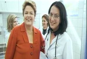 Dilma e médica participante do programa Mais Médicos Foto: TV / Reprodução