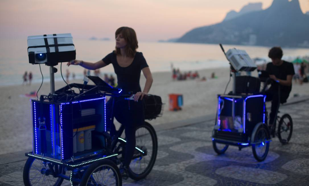 As bicicletas especiais da dupla vjsuave, formada por Ceci Soloaga e Ygor Marotta, que inaugura uma instalação, terça, na Caixa Cultural Rio Foto: Divulgação/Juan Herrera Pablo