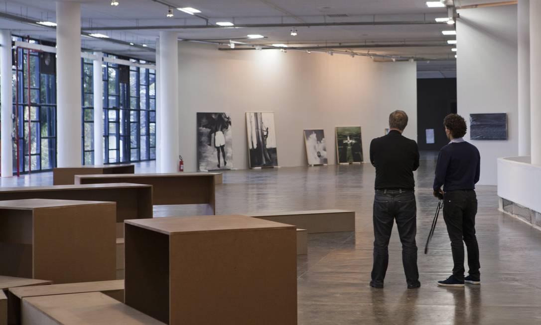 Ainda fazendo retoques, Bienal encara problemas por conta de captação de recursos Foto: Pedro Ivo Trasferetti / Agência O Globo