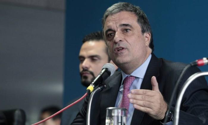 O fim do Brasil: Governo abre as portas do país para qualquer estrangeiro, criminoso ou não