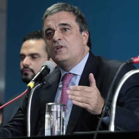 O ministro da Justiça, José Eduardo Cardoso, apresenta nova Lei de Migrações Foto: Jorge William / Agência O Globo