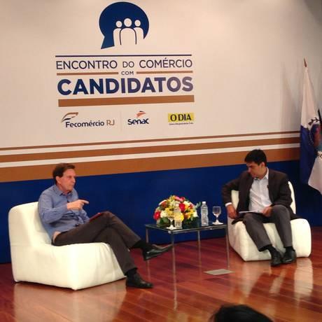 O candidato ao governo do Rio Marcelo Crivella participa de encontro com comerciantes Foto: Leandra Lima