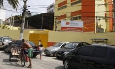 Alunos da escola municipal Alberto Francisco Torres, no Centro, afirmam que guardaram o livro sem ler e que eles não foram usados nas aulas Foto: Eduardo Naddar / Agência O Globo
