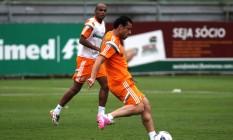 Fred aprimora a pontaria em treino do Fluminense Foto: Divulgação / Fluminense