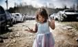 O fotógrafo Wyatt Neumann foi alvo de xingamentos e ameaças por ter publicado na internet fotos de sua filha Stella nua