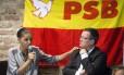 A candidata a presidente Marina Silva acompanhada do candidato a vice Beto Albuquerque