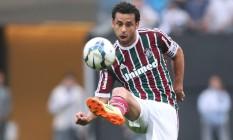 Autor do gol do Fluminense, Fred domina a bola no Itaquerão Foto: Photocamera / Divulgação
