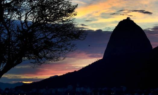 Parte do Pão de Açúcar visto da Enseada de Botafogo Foto: Márcio Alves / Agência O Globo