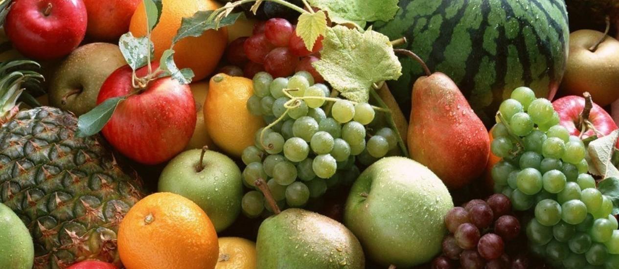 Na pesquisa, pessoas que consumiam mais frutas muitas vezes tinham significativamente menor pressão arterial Foto: Agência O Globo