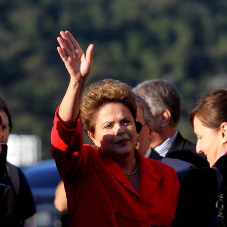A candidata à reeleição, Dilma Rousseff (PT), concentrou os ataques no debate nas propostas econômicas de Marina Silva (PSB) Foto: Fernando Donasci / Agência O Globo