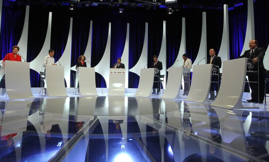 Com a participação de sete candidatos à Presidência, debate durou quase duas horas Fernando Donasci / Agência O Globo