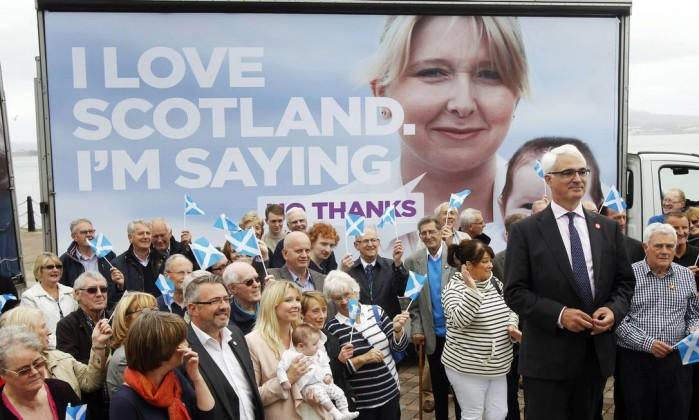 Divergências quanto à independência geram violência na Escócia