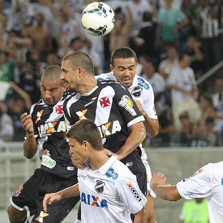 Vasco bateu cabeça contra o ABC, em Natal, e perdeu a vaga nas quartas de final da Copa do Brasil Foto: Marcelo Sadio / Vasco.com.br