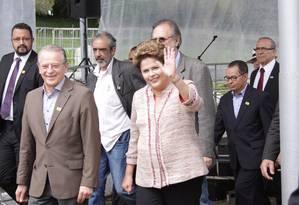A presidente da República Dilma Rousseff ao lado do governador do estado do Rio Grande do Sul na Expointer Foto: Marcio Rodrigues/Raw Image/Agência O Globo