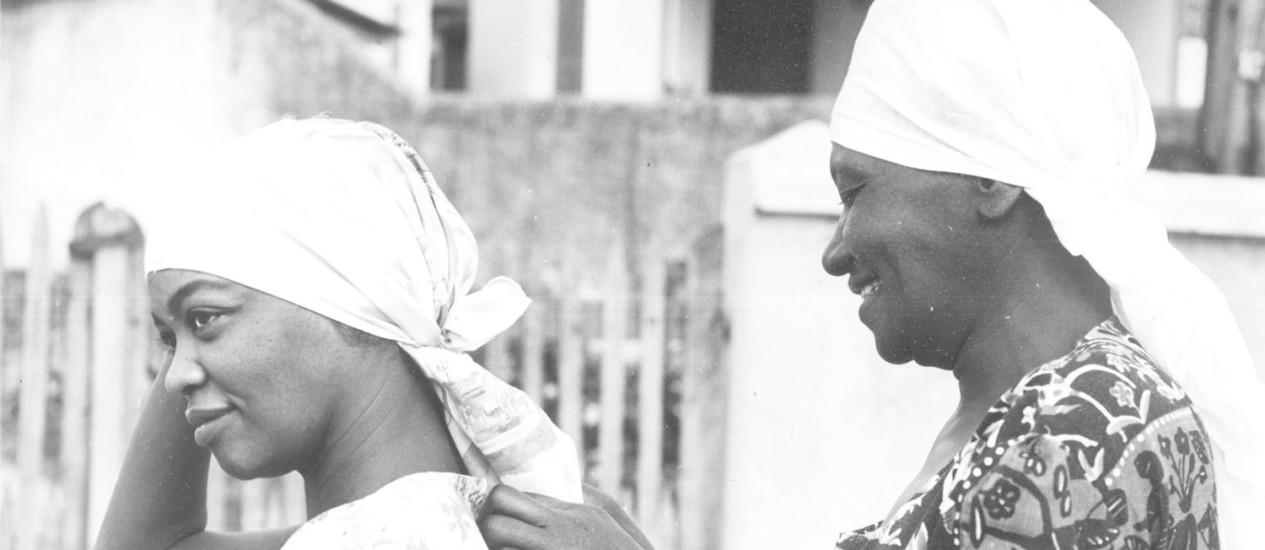 Carolina Maria de Jesus (à direita) lançou em 1960 o livro 'Quarto de despejo: diário de uma favelada', que a revelou para o mundo Foto: Divulgação